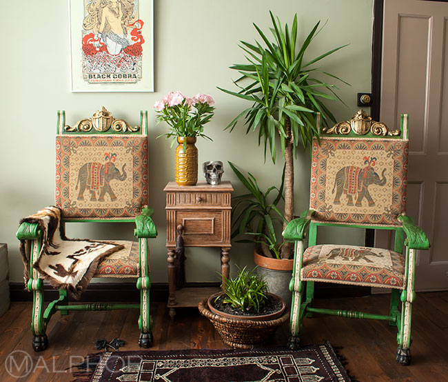 Boho thrones in Antibes Green